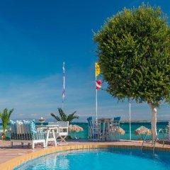 Отель Oasis Beach Hotel Греция, Агистри - отзывы, цены и фото номеров - забронировать отель Oasis Beach Hotel онлайн бассейн фото 3