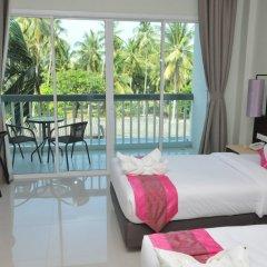 Отель AM Surin Place комната для гостей фото 16