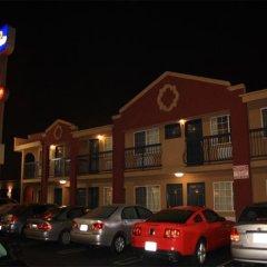 Отель Hampton Inn & Suites Los Angeles/Hollywood США, Лос-Анджелес - 8 отзывов об отеле, цены и фото номеров - забронировать отель Hampton Inn & Suites Los Angeles/Hollywood онлайн парковка