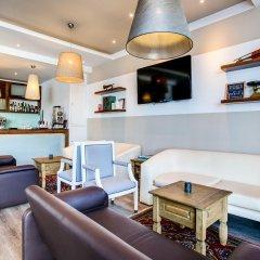 Отель AX ¦ Sunny Coast Resort & Spa гостиничный бар