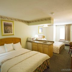 Отель Americas Best Value Inn Three Rivers комната для гостей фото 4