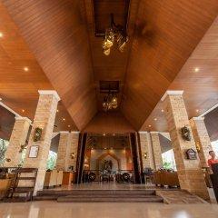 Отель Pinnacle Grand Jomtien Resort гостиничный бар