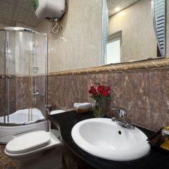 Отель Hanoi Focus Boutique Hotel Вьетнам, Ханой - 1 отзыв об отеле, цены и фото номеров - забронировать отель Hanoi Focus Boutique Hotel онлайн ванная