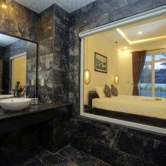 Отель Hoi An Sunny Pool Villa ванная фото 2