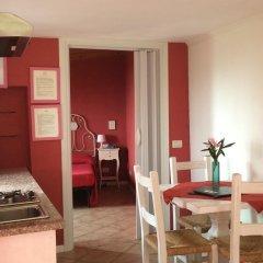 Отель Villa Schindler Манерба-дель-Гарда комната для гостей фото 3