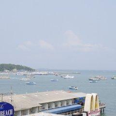 Отель Mike Hotel Таиланд, Паттайя - 1 отзыв об отеле, цены и фото номеров - забронировать отель Mike Hotel онлайн балкон