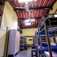 Отель Hostel Santa Monaca Италия, Флоренция - отзывы, цены и фото номеров - забронировать отель Hostel Santa Monaca онлайн фитнесс-зал фото 3