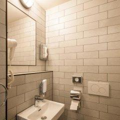 Отель a&o Frankfurt Ostend Германия, Франкфурт-на-Майне - отзывы, цены и фото номеров - забронировать отель a&o Frankfurt Ostend онлайн ванная