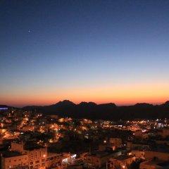 Отель Rafiki Hostel Иордания, Вади-Муса - отзывы, цены и фото номеров - забронировать отель Rafiki Hostel онлайн балкон