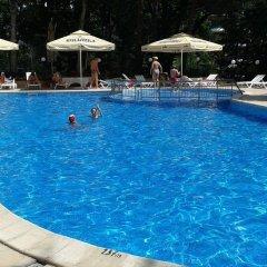 Отель Tintyava Park Hotel Болгария, Золотые пески - отзывы, цены и фото номеров - забронировать отель Tintyava Park Hotel онлайн бассейн фото 3