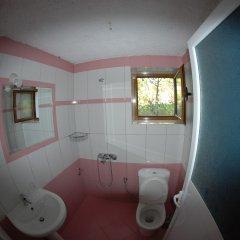 Отель Natural Holiday Houses Албания, Ксамил - отзывы, цены и фото номеров - забронировать отель Natural Holiday Houses онлайн ванная