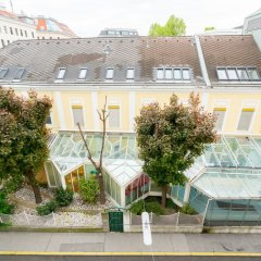 Апартаменты Vienna Residence Spacious Viennese Apartment for up to 5 Happy Guests Вена