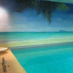 Отель Tropicana Suite Hotel Канада, Ванкувер - отзывы, цены и фото номеров - забронировать отель Tropicana Suite Hotel онлайн бассейн фото 2