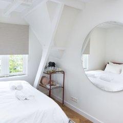 Отель Cornelis Luxury Guesthouse Нидерланды, Амстердам - отзывы, цены и фото номеров - забронировать отель Cornelis Luxury Guesthouse онлайн комната для гостей фото 2