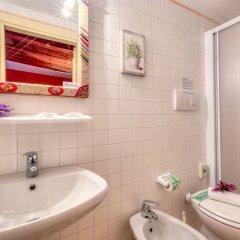 Отель Lanterna Di Marco Polo Италия, Венеция - отзывы, цены и фото номеров - забронировать отель Lanterna Di Marco Polo онлайн ванная