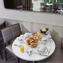Отель Longchamp Elysées в номере