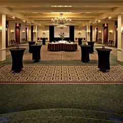 Отель Delta Hotels by Marriott Bessborough фото 2