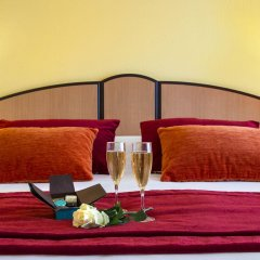 Отель Club Maintenon Франция, Канны - отзывы, цены и фото номеров - забронировать отель Club Maintenon онлайн в номере