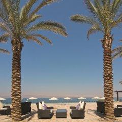 Отель Movenpick Resort & Spa Dead Sea пляж