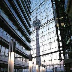 Отель Courtyard by Marriott Düsseldorf Seestern Германия, Дюссельдорф - отзывы, цены и фото номеров - забронировать отель Courtyard by Marriott Düsseldorf Seestern онлайн городской автобус