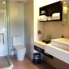 Отель Safari Beach Hotel Таиланд, Пхукет - 1 отзыв об отеле, цены и фото номеров - забронировать отель Safari Beach Hotel онлайн ванная