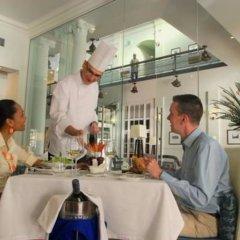 Отель Grand Pacific Hotel Фиджи, Сува - отзывы, цены и фото номеров - забронировать отель Grand Pacific Hotel онлайн питание фото 2