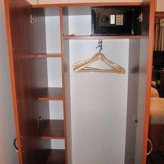 Гостиница Спутник сейф в номере