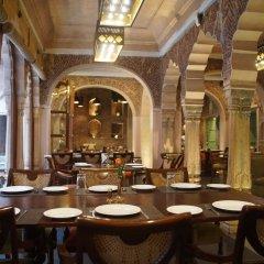 Отель WelcomHeritage Haveli Dharampura питание фото 2