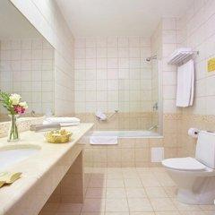 Гостиница Петро Палас 5* Стандартный номер с двуспальной кроватью фото 8
