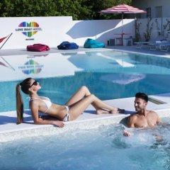 Hotel Love Boat бассейн