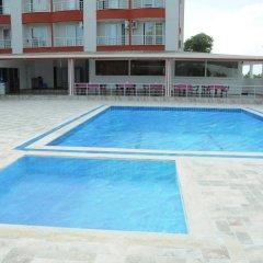 Demirci Hotel бассейн