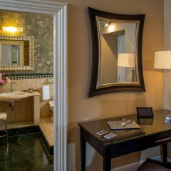 Отель The Inn at the Spanish Steps - Small Luxury Hotels Италия, Рим - отзывы, цены и фото номеров - забронировать отель The Inn at the Spanish Steps - Small Luxury Hotels онлайн удобства в номере