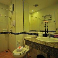 Отель Aloha Residence Пхукет ванная