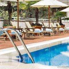 Отель Novotel Madrid Campo de las Naciones бассейн