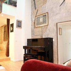 Апартаменты Le Marais - République Private Apartment комната для гостей фото 5