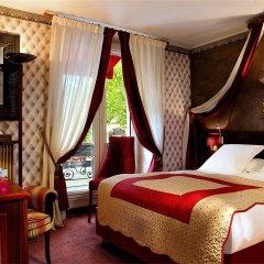 Отель BRITANNIQUE Париж сейф в номере
