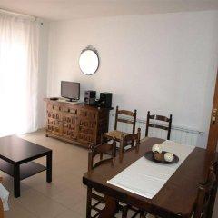 Отель Apartamentos AR Isern Испания, Бланес - отзывы, цены и фото номеров - забронировать отель Apartamentos AR Isern онлайн комната для гостей