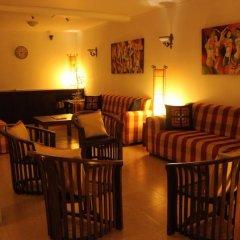 Отель Kanda Uda - Kandy Paris Канди гостиничный бар