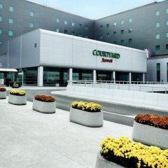 Отель Courtyard by Marriott Warsaw Airport спортивное сооружение