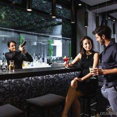 Отель Barcelo Hamburg Германия, Гамбург - 3 отзыва об отеле, цены и фото номеров - забронировать отель Barcelo Hamburg онлайн гостиничный бар