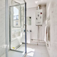 Отель 49 - Pretty Flat in Menilmontant Париж ванная