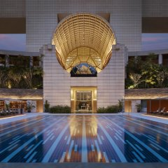Отель The Ritz-Carlton, Millenia Singapore бассейн фото 2
