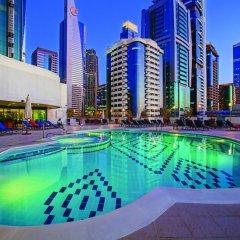 Отель Towers Rotana - Dubai ОАЭ, Дубай - 3 отзыва об отеле, цены и фото номеров - забронировать отель Towers Rotana - Dubai онлайн бассейн фото 3