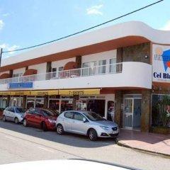 Отель Apartamentos Cel Blau парковка
