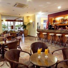 Отель Clube Porto Mos Португалия, Лагуш - отзывы, цены и фото номеров - забронировать отель Clube Porto Mos онлайн гостиничный бар