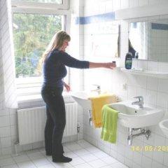 Отель Hostel Haunspergstraße Австрия, Зальцбург - отзывы, цены и фото номеров - забронировать отель Hostel Haunspergstraße онлайн ванная