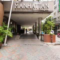 Manhattan Bangkok Hotel Бангкок парковка