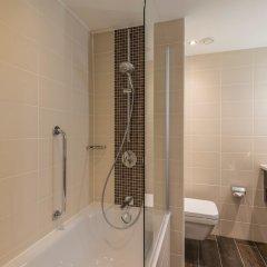 Отель Hampton by Hilton Munich City West Германия, Мюнхен - 1 отзыв об отеле, цены и фото номеров - забронировать отель Hampton by Hilton Munich City West онлайн ванная