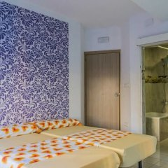 Отель Go Bcn Hostal Ideal Badal Барселона спа