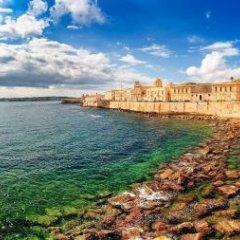 Отель I Santi Coronati Италия, Сиракуза - отзывы, цены и фото номеров - забронировать отель I Santi Coronati онлайн пляж